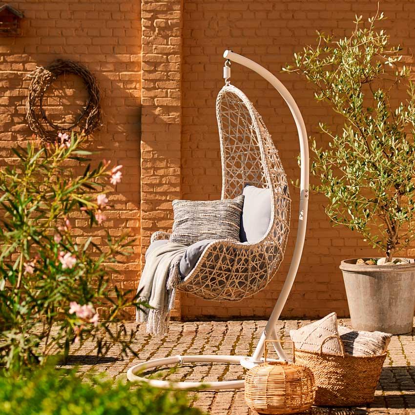 Muebles de jard n elige entre columpio o balanc n para tu for Set de resina de jardin trenzado barato