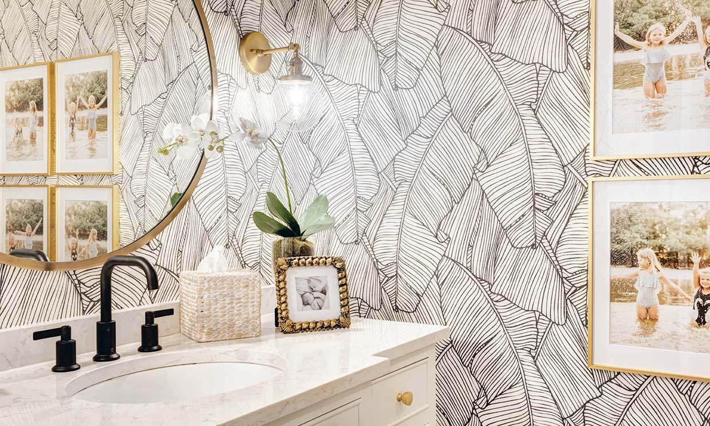 Papeles pintados para decorar el cuarto de baño. ¿Cómo deben ser?
