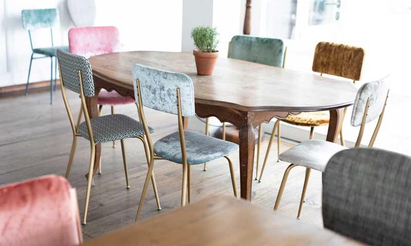 Muebles de salón: Así debes combinar las sillas de comedor