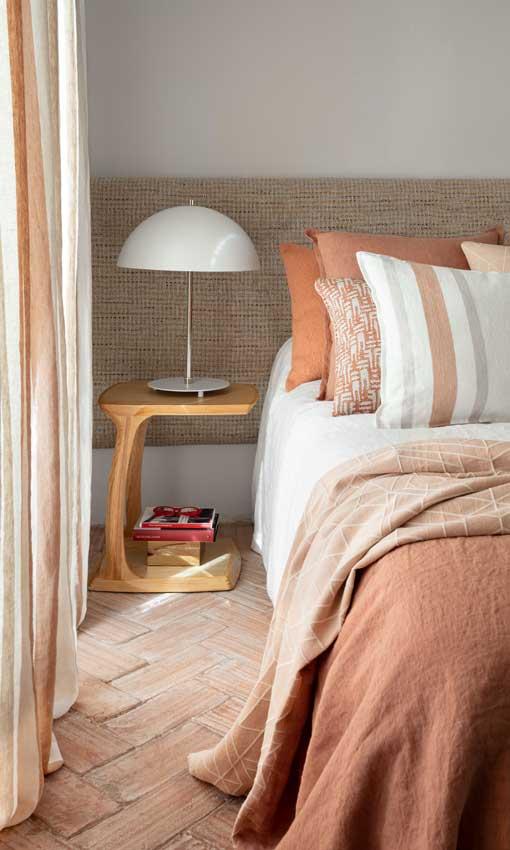 Renovar el dormitorio 5. Echa las cortinas o descórrelas