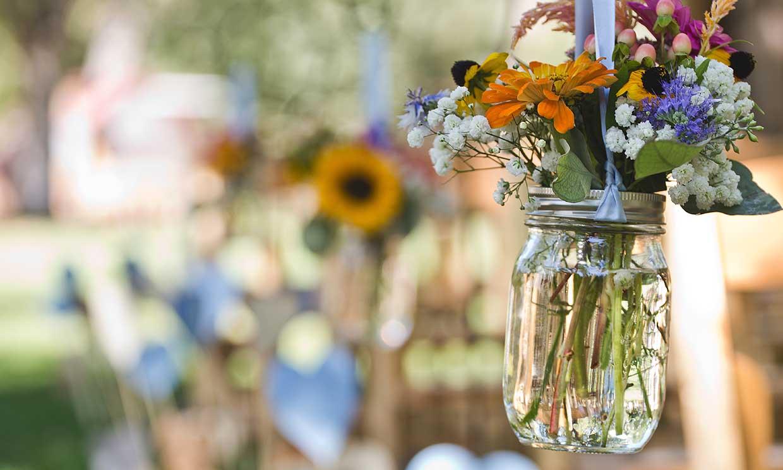 Aprovecha el tiempo en casa para hacer estos arreglos florales con tus hijos