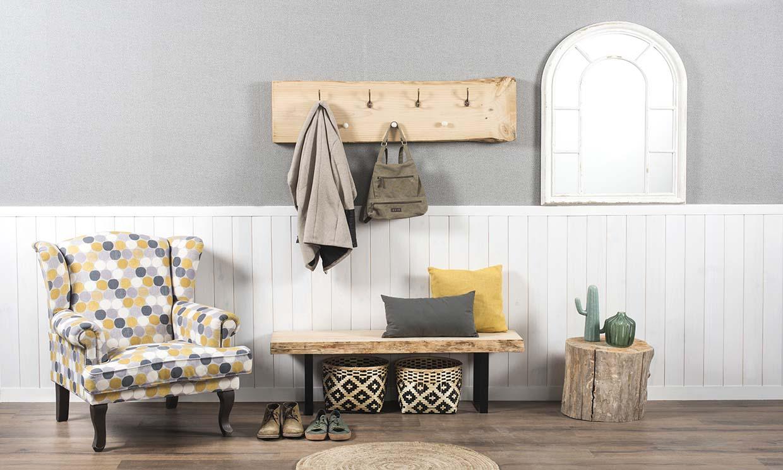 Crea tu propio perchero de madera para un recibidor al más puro estilo 'raw'