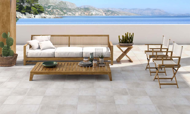 Descubre los mejores suelos de exterior para renovar la terraza
