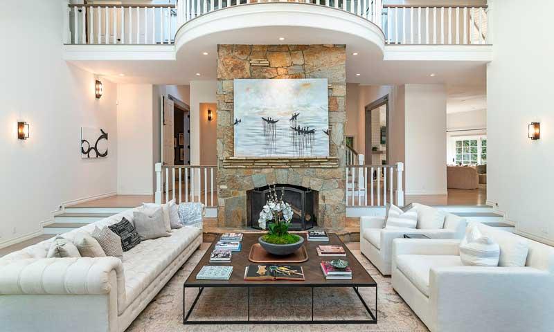 Casas de famosos: Selena Gomez compra la mansión del cantante Tom Petty por  4,5 millones de euros - Foto 1