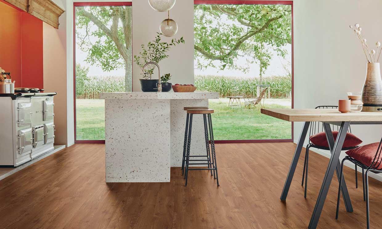 ¿Sabes por qué los suelos laminados son los 'reyes' de las casas actuales? ¡Nosotros sí!