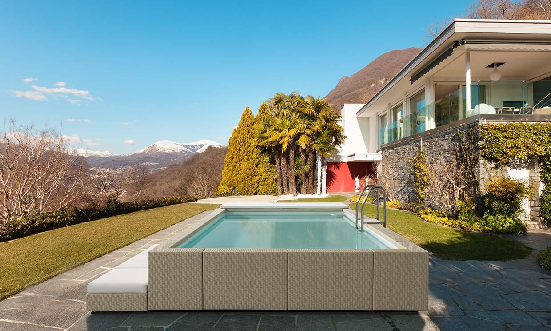 De este verano no pasa: pon una piscina desmontable en el jardín