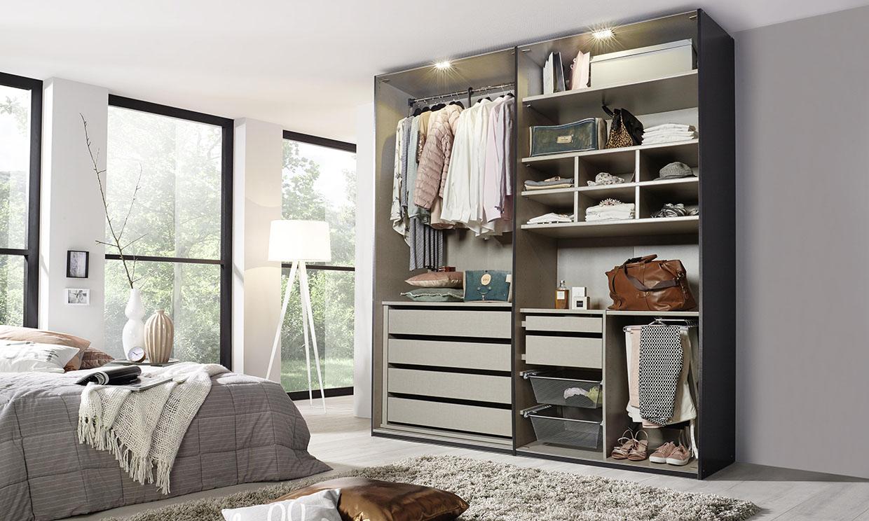 Trucos para ordenar y colocar la ropa dentro del armario
