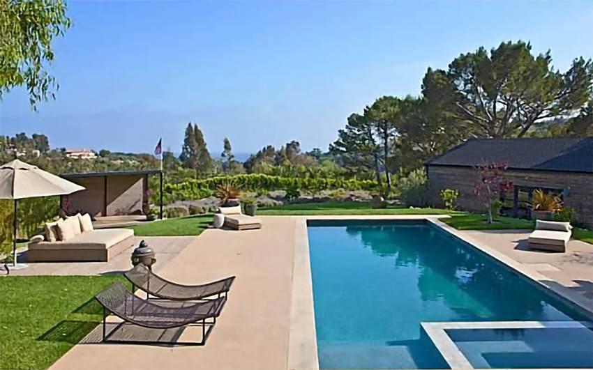 La piscina de la casa de Miley Cyrus y Liam Hemsworth