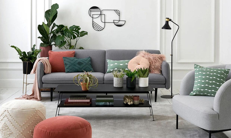 Así son los sofás y butacas perfectos para salones pequeños