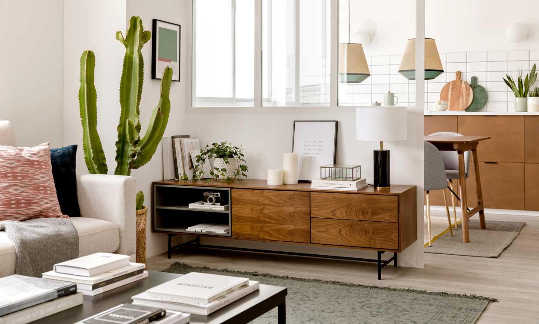 Muebles de salón bonitos en los que poner (o no) el televisor