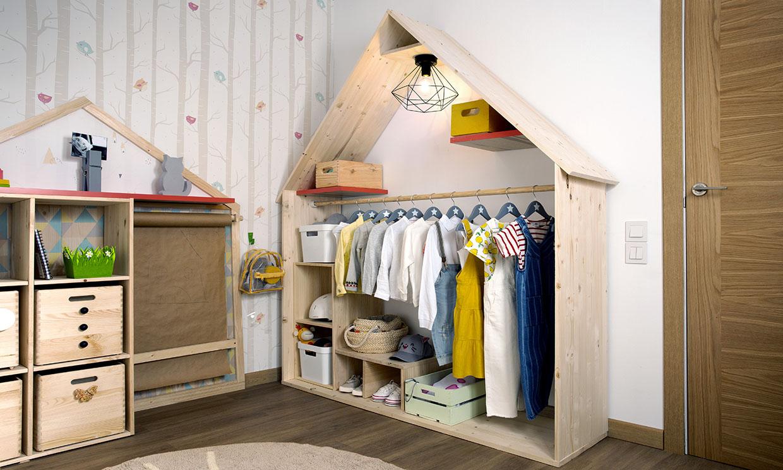Decorar y mantener el orden: una armario infantil con doble función