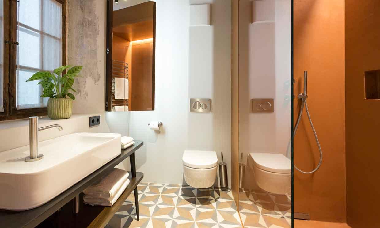 Baños, ¿con ducha o bañera? Ideas para decorar con uno o ambos elementos