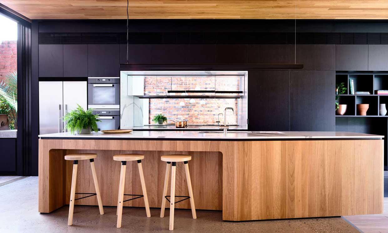 ¿Qué es una cocina conectada y qué debe tener?