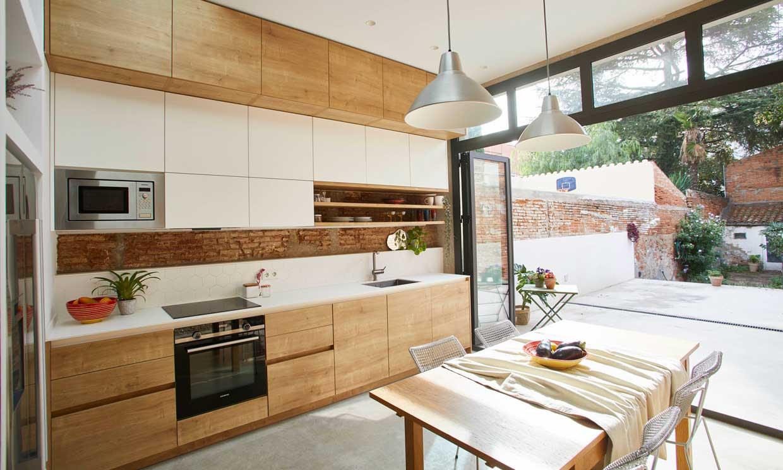 Antes y después: una casa que se transforma en una vivienda de espacios renovados