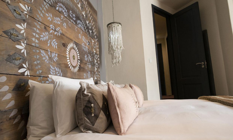 Cabeceros de cama que se salen de la norma y que darán personalidad a tu dormitorio