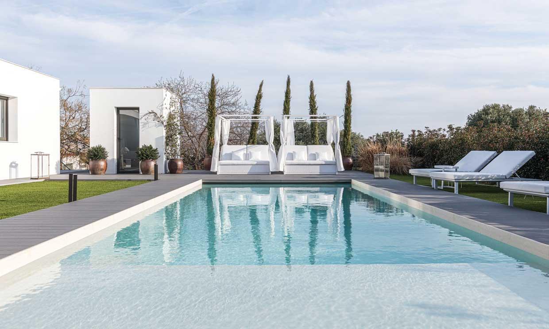 ¿Quieres una piscina en el jardín? Estos son los pasos previos a disfrutarla