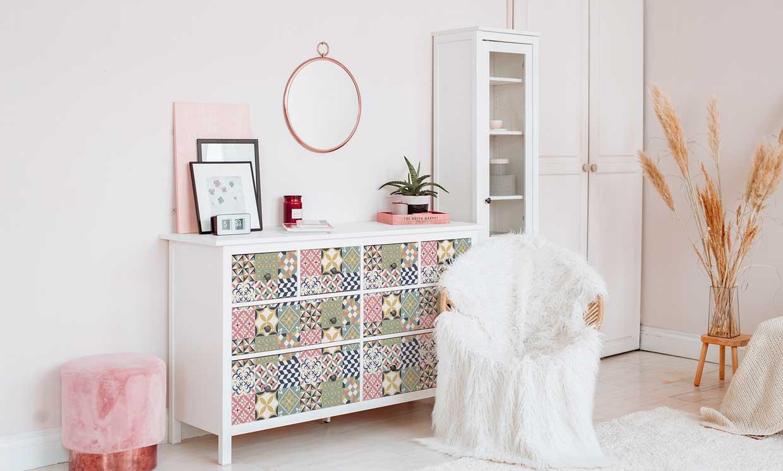 Suma estilo con el toque DIY de estas ideas de decoración con vinilos