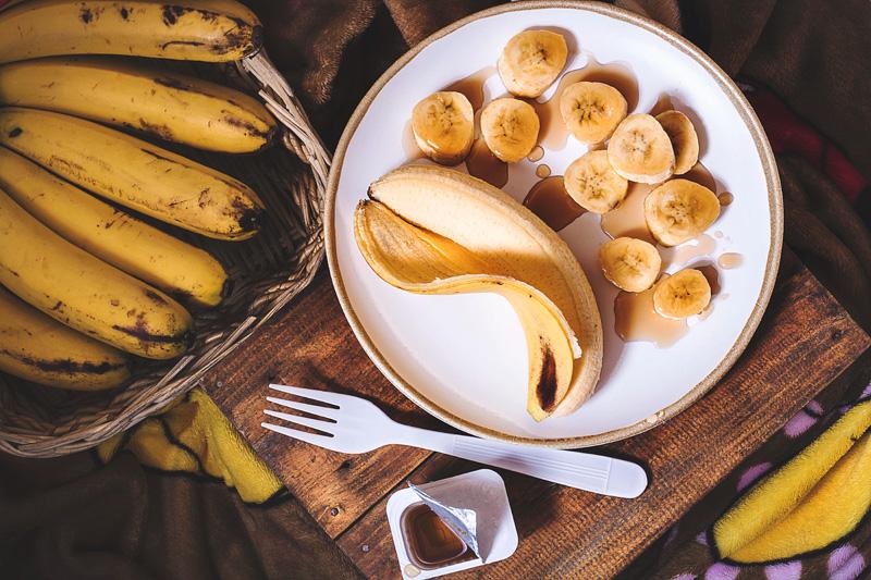 Conserva las pieles de plátano pues te servirán como fertilizante de plantas