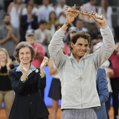 La reina Sofía vive con Rafa Nadal la emoción de la victoria en el Open de Madrid