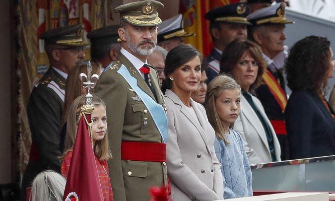 DÍA DE LA HISPANIDAD: Los Reyes presiden el desfile de la Fiesta Nacional, antes de viajar a Mallorca para visitar las zonas afectadas por la riada