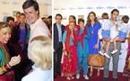 Cayetano Martínez de Irujo y su hijo Luis y el Duque de Anjou y sus mellizos, seducidos por el lado más solidario de Bollywood
