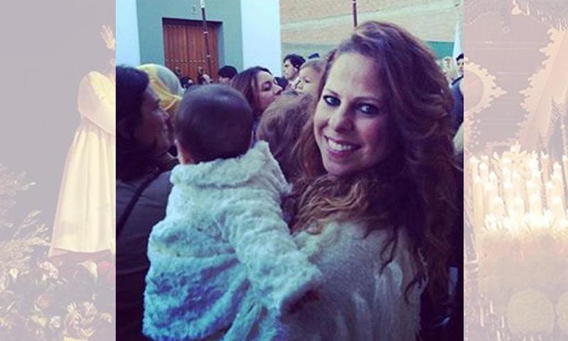 Así vive Pastora Soler su primera Semana Santa con su hija