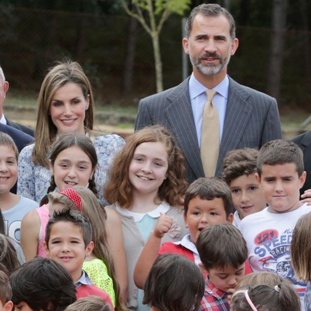 Los alumnos de Pereiro comparten con los Reyes un día de colegio lleno de anécdotas