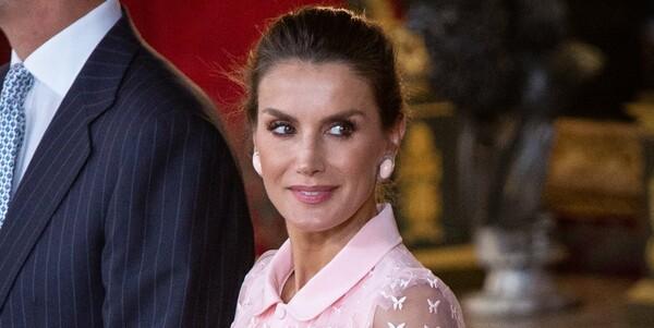 La reina Letizia rompe con su tradición para la fiesta nacional estrenando el look bailarina