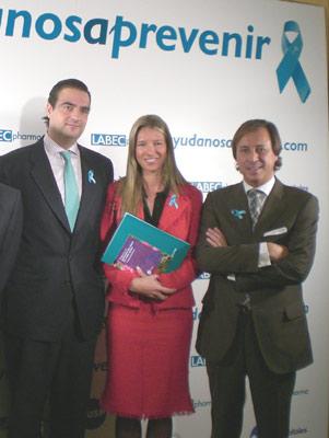 Anne Igartiburu amadrina una campaña contra el cáncer de útero