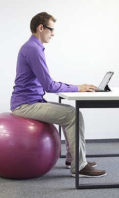 Cómo cuidar la postura en el trabajo para evitar lesiones