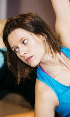 Manuela Vellés recarga las pilas ¡practicando 'hot yoga'!
