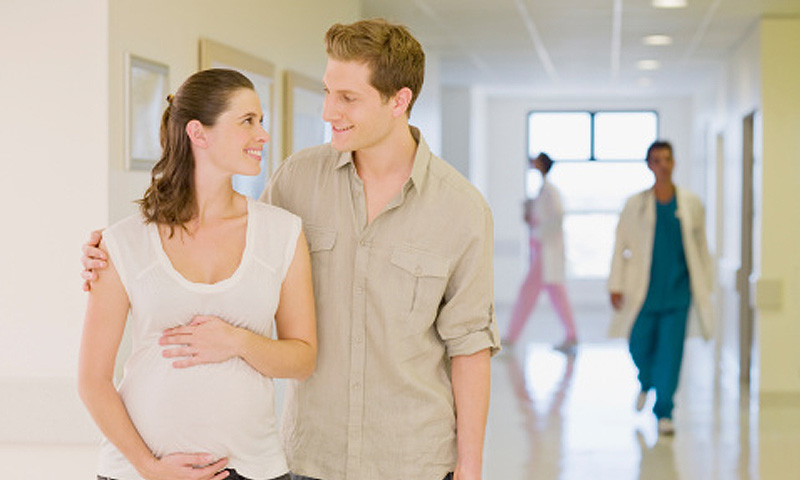 Dolor abdominal durante el embarazo: ¿Cuándo debemos alarmarnos?