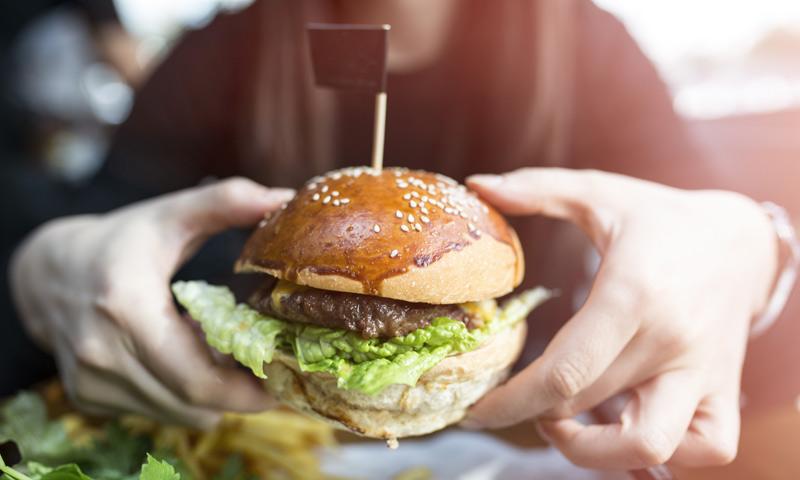 Comer menos carne para salvar el planeta (y tu salud)