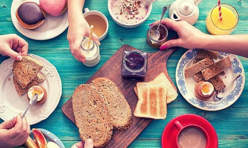 ¿Cómo contribuye el desayuno a tu felicidad?