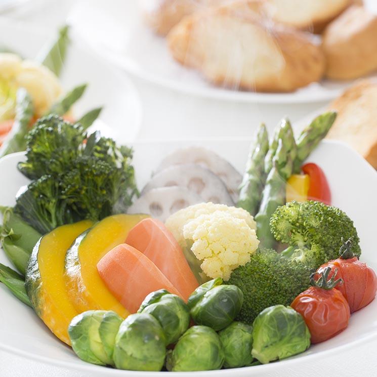 No cometas estos errores cuando tomes vino foto for Cocinar verduras al vapor