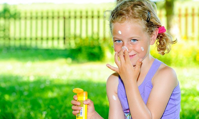 Protección solar en niños, la garantía para evitar el cáncer de piel