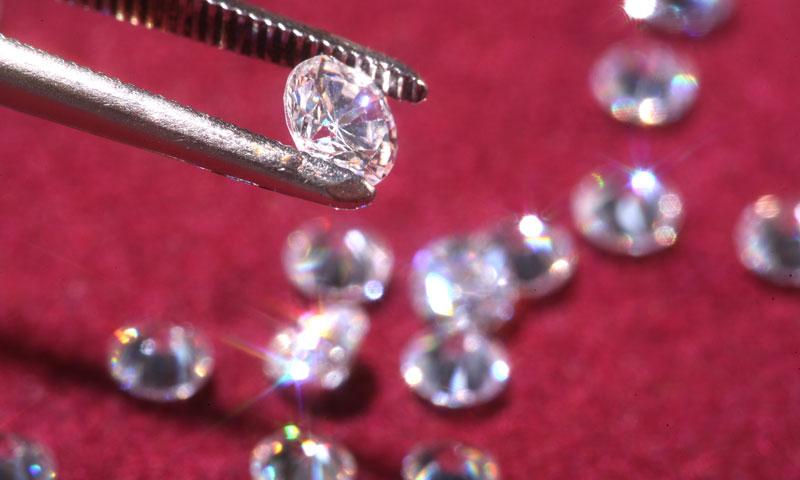 Diamantes de laboratorio, una alternativa asequible y ecológica