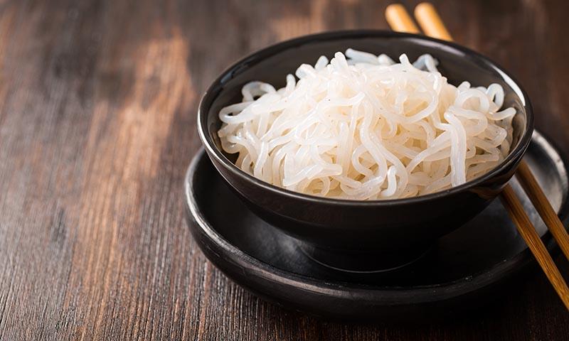 ¿Es la pasta shirataki una alternativa sin calorías?