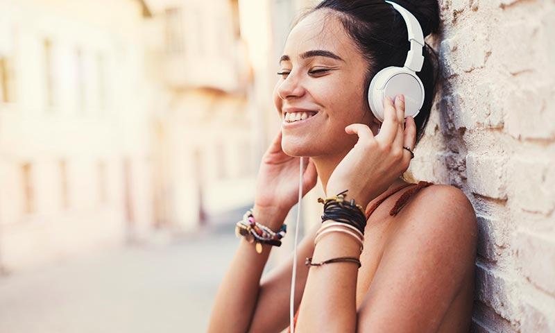 Así sufre el oído cuando lo sometes a ruidos fuertes (y puedes acabar oyendo mal)