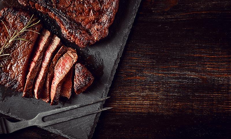 Alimentos para dormir mejor: carne