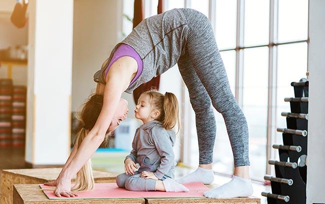 Por estas razones es muy positivo hacer yoga con tus hijos
