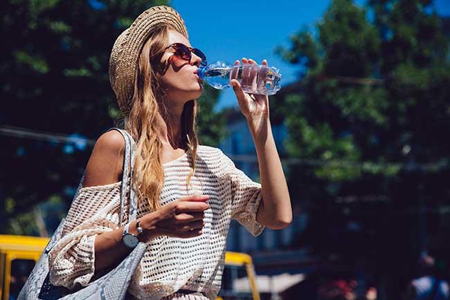 el agua mineral adelgaza