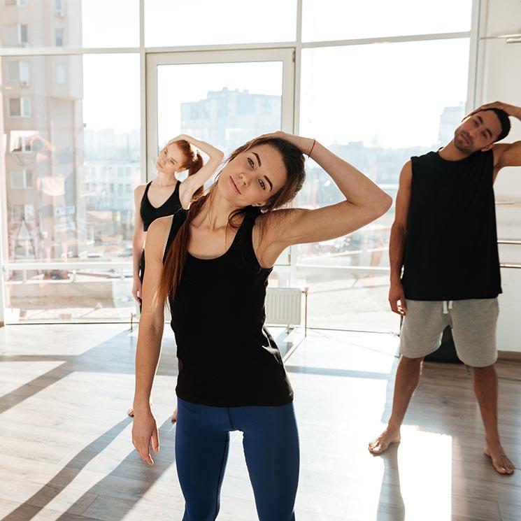 ejercicio para bajar de peso gire la cabeza de la