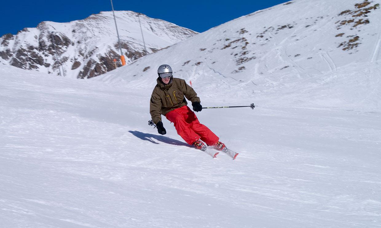 Si te apasiona el esquí, no te olvides de preparar tu cuerpo antes de lanzarte a la montaña