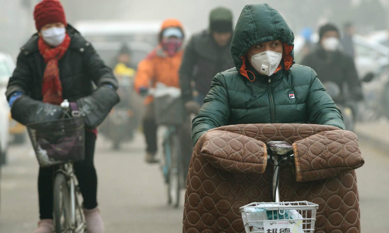 Así afecta la contaminación a la salud de tus huesos