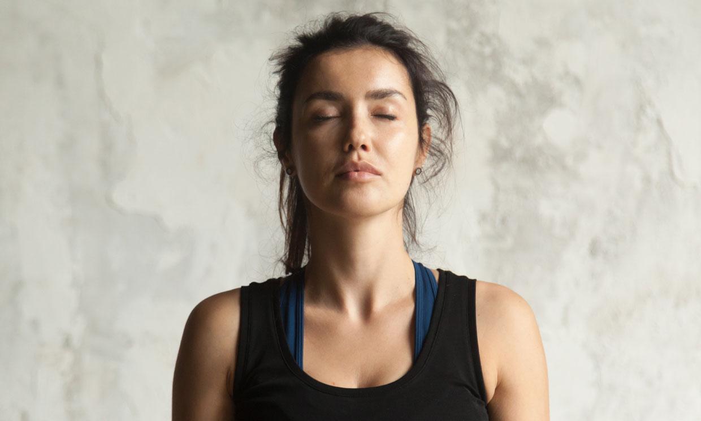 8 ejercicios para reducir las arrugas y rejuvenecer el rostro
