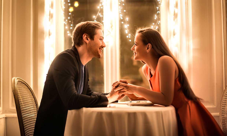 Cinco temas de los que no deberías hablar en una primera cita