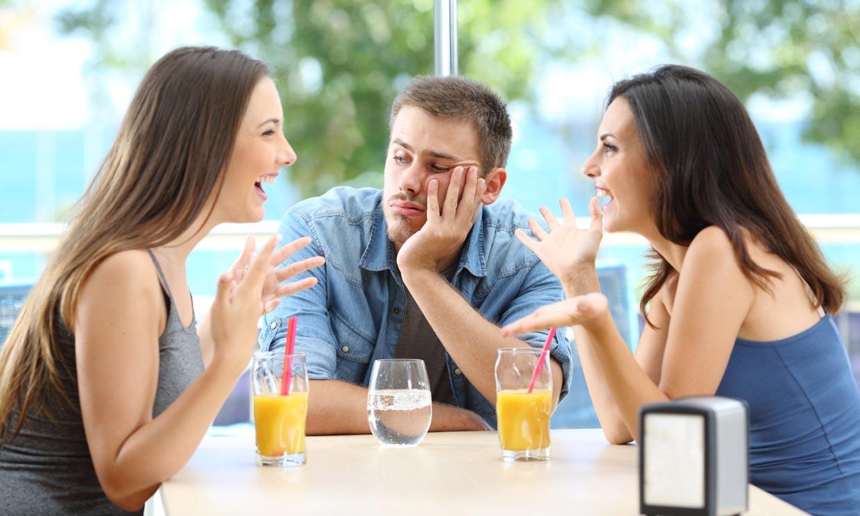 No incluirte en sus planes ni presentarte a sus amigos ya tiene nombre