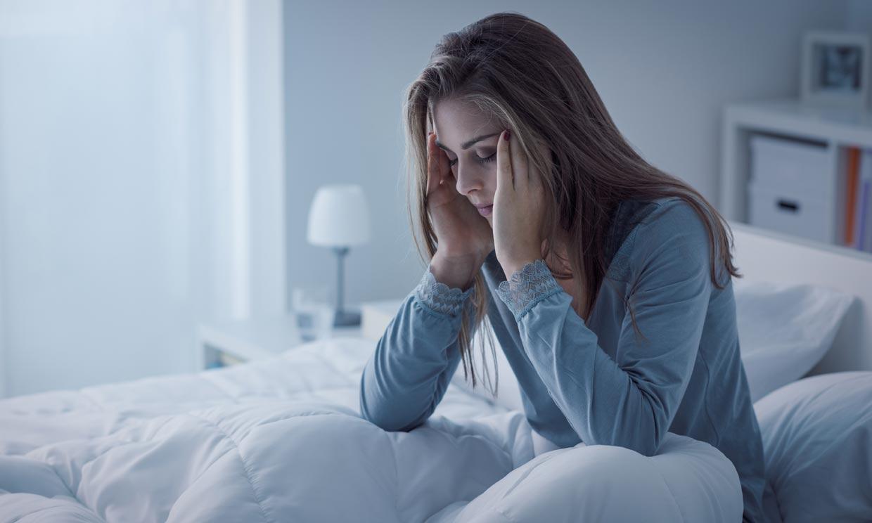 ¿Qué debes hacer si estás durmiendo peor durante estos días?