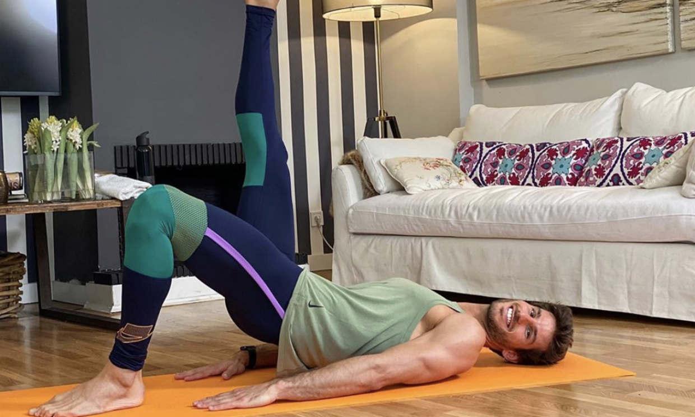 El entrenador de 'OT', Cesc Escolà, te enseña a hacer pilates en casa